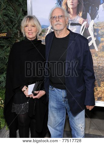 LOS ANGELES - NOV 19:  Bruce Dern & Andrea Beckett arrives to the