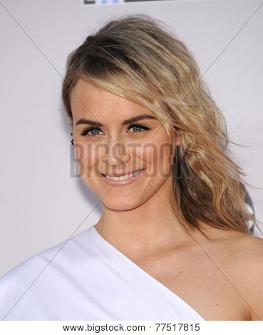 LOS ANGELES - NOV 23:  Taylor Schilling arrives to the 2014 American Music Awards on November 23, 2014 in Los Angeles, CA