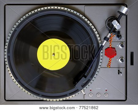 Top view of a turntable with level bubble