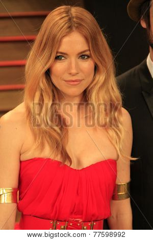 LOS ANGELES - MAR 2:  Sienna Miller at the 2014 Vanity Fair Oscar Party at the Sunset Boulevard on March 2, 2014 in West Hollywood, CA