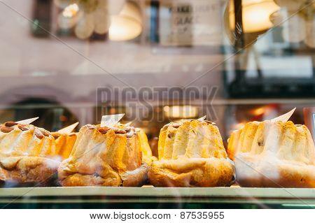 Bundt cakes in a bakery shop