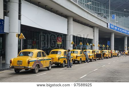 Yellow Ambassador Taxi Cars Waiting Passenger In Kolkata