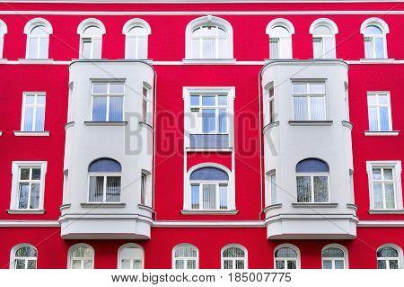 extreme red old house in Berlin Kreuzberg