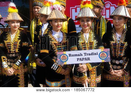 Penampang,Sabah-May 30,2016:Beautiful Kadazandusun girls of Sabah in traditional costume during Kaamatan festival.Also known as Harvest festival,its a major yearly event for the Kadazandusun in Sabah,Borneo.