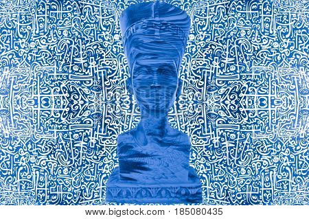 Egyptian Pharaoh Statue / Ancient Egyptian Pharaoh Statue