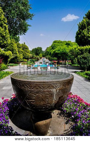 The magnificent flower garden in the Iranian city of Isfahan