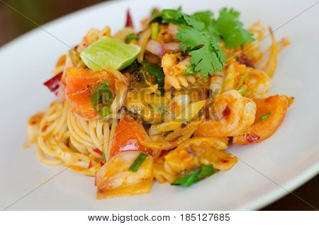 The spaghetti shrimp sauceTom Yum Goong Spaghetti : Fusion cuisine between Thai and Italian.
