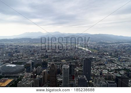 the impressive Skyline of Taipei in Taiwan