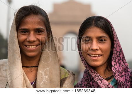 Indian gipsy girls, New Delhi, India