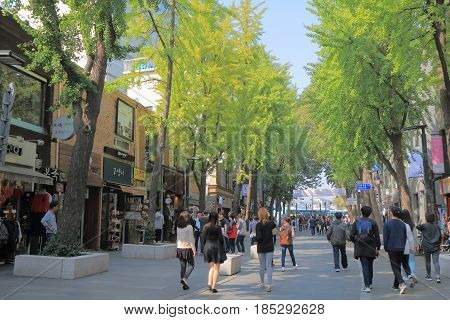 SEOUL SOUTH KOREA - OCTOBER 20, 2016: Unidentified people visit Insadong Ssamji shopping street.