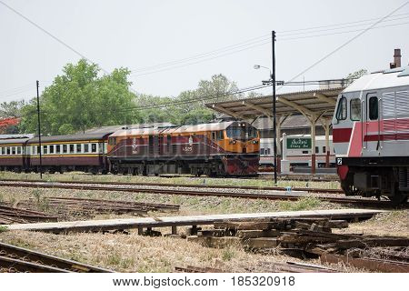 Ge Diesel Locomotive No.4529 And Train No.51