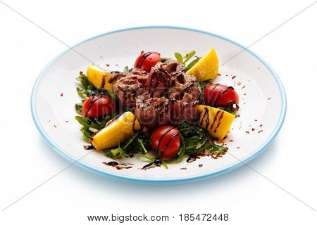 Grilled beef with chocolate and vegetables