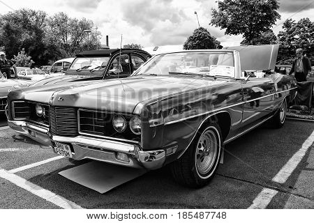 Berlin - May 11: Car Ford Galaxie Xl Convertible (black And White), 26Th Oldtimer-tage Berlin-brande