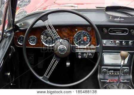 Berlin - May 11: Cab British Sports Car Austin-healey 3000, 26Th Oldtimer-tage Berlin-brandenburg, M