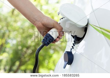 Electric car. Charging battery of an electric vehicle.
