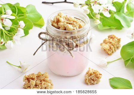 Fruit Yogurt With Wholegrain Crunchy