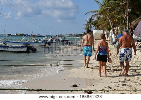 Playa Del Carmen, Mexico - February 3 2017 - American Tourists In Playa Del Carmen Mexico