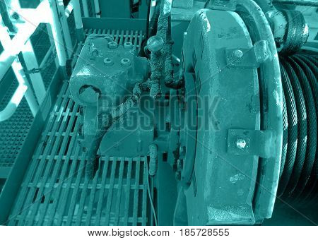 Hydraulic motor drive role sling of crane.Offshore crane.   รหัสภาพสต็อก: 636285425   สร้างบัญชีฟรีของคุ