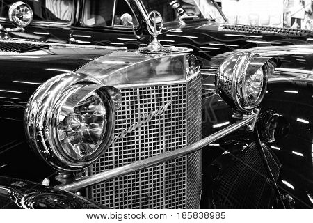 Paaren Im Glien, Germany - May 19: The Excalibur Series Iv Roadster, Black And White, Close-up_