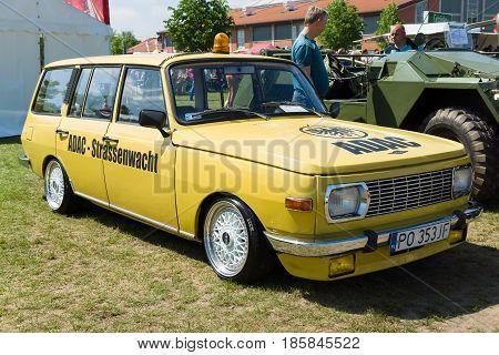 Paaren Im Glien, Germany - May 19: Medium-sized Family Car Wartburg 353 In Color Adac - German Autom