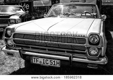 Paaren Im Glien, Germany - May 19: Full-size Car Rambler Ambassador 990 Convertible, (black And Whit