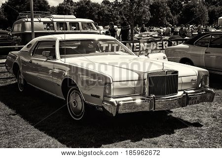 Paaren Im Glien, Germany - May 19: Personal Luxury Car Lincoln Continental Mark Iv, Sepia,
