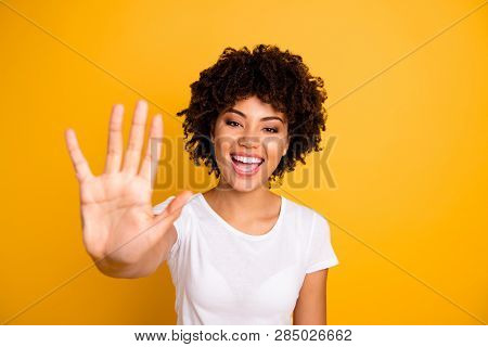 Close Up Photo Beautiful Amazed She Her Dark Skin Lady Glad Arms Hands Five Fingers Raised Show Coun
