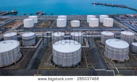 Oil And Petrochemical Tank, Storage Of Oil And Petrochemical Products Ready For Logistic And Transpo