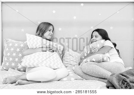 Sleepover Time For Fun. Best Girls Sleepover Party Ideas. Girls Happy Best Friends In Pajamas With P