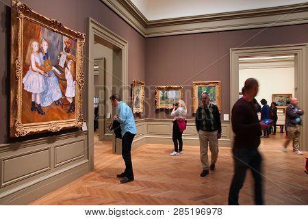 New York, Usa - June 7, 2013: People Visit Metropolitan Museum Of Art In New York. With 5.2m Visitor