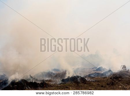 Dense Dust And Smoke From Burning Stubble In Post-harvest Agricultural Areas