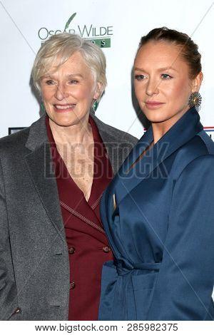 LOS ANGELES - FEB 21:  Glenn Close, Annie Starke, at the 2019 Oscar Wilde Awards at the Bad Robot on February 21, 2019 in Santa Monica, CA