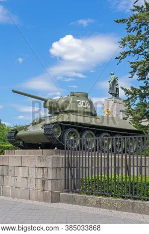 Berlin, Germany -  May 29, 2020: Soviet War Memorial, A Popular Tourist Attraction, Located In A Lar