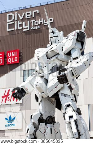 Tokyo, Japan - April 28, 2019, Rx-0 Unicorn Gundam Statue In Normal Mode Located At Diver City Tokyo