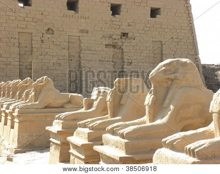 Figures and Karnak Temple Wall