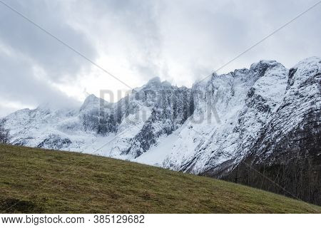 Stunningly Beautiful Winter View Of The Norwegian Naturestunningly Beautiful Winter View Of The Norw