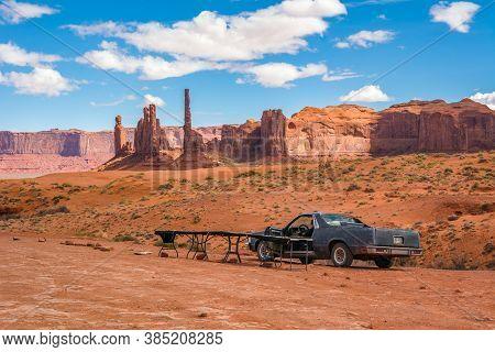 Utah/arizona, Usa: April 6, 2019: Red Sandy Desert With Rocks At Monument Valley, Arizona, Usa