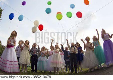 Belarus, The City Of Gomil, May 30, 2019. Photosession In Kindergarten. Graduation In Kindergarten.