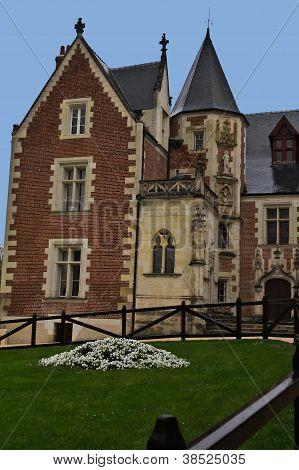 Clos Luce Manor House