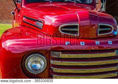 Fernandina Beach, Fl / Usa - September 22, 2018: 1950 Ford F-47 Pickup Truck At A Car Show At Fort C