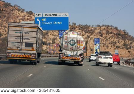 South Africa, Johannesburg, 7.12.2017, highway at rush hour in Johannesburg South Africa