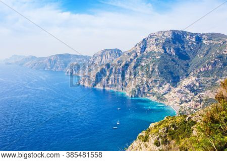Scenic view of the Amalfi coast from the  Path of the Gods ( Sentiero degli Dei ) near Positano, Province of Salerno,  Campania, Italy.