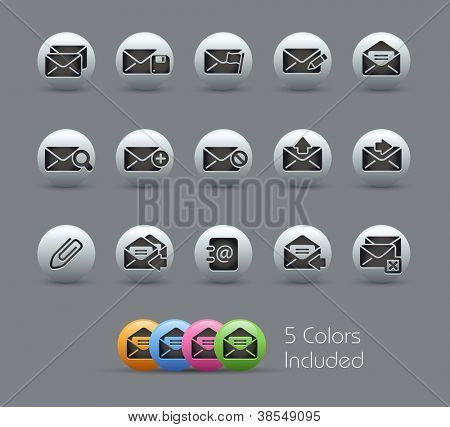 E-mail Icons // Pearly Series -------It includes 5 color versions for each icon in different layers ---------