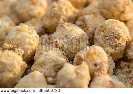 Gourmet White Chocolate Popcorn And Gourmet Peanuts . Sweet Popcorn.