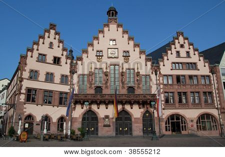 FRANKFURT, GERMANY - AUGUST 22: The Romer Haus (Center) in Romer Square on August 22, 2012 in Frankfurt, Germany. Romer Square had been the site for the Frankfurt city government for over 600 years.