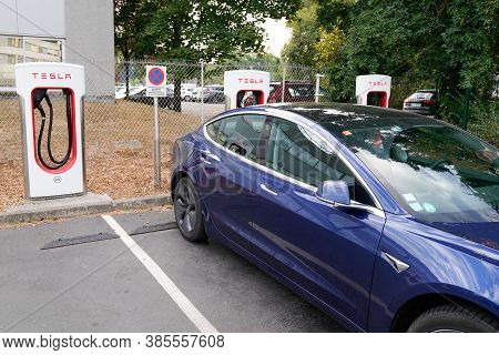 Bordeaux , Aquitaine / France - 09 01 2020 : Tesla Supercharger Car Stations Fast-charged For Ev Wit