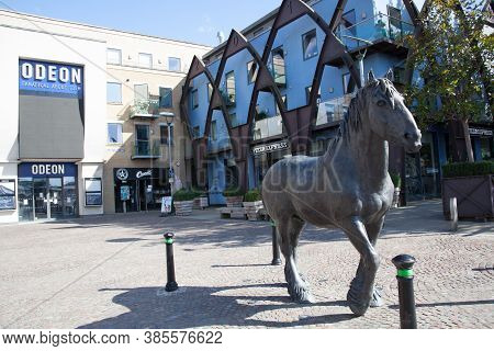 Dorchester, Dorset, Uk 07 20 2020 A Sculpture Of A Dray Horse By Shirley Pace In Dorchester, Dorset