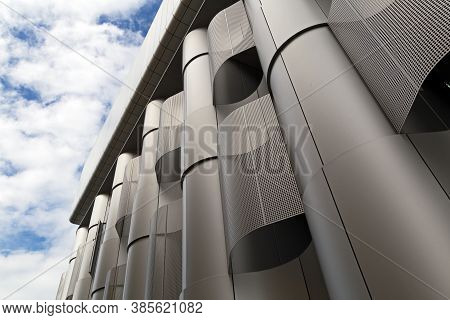 Bristol, Uk - August 12,  2015: The Life Sciences Building At The University Of Bristol Which Was De