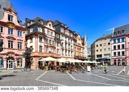 Mainz, Germany - July 2020: Old Market Place Town Square In Historic City Center Of Mainz On Sunny S