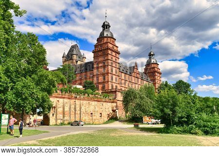 Aschaffenburg, Germany - July 2020: Palace Called 'schloss Johannisburg' And Green Park On Sunny Sum